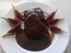 Filet de poltre amb salsa agredolça de figues